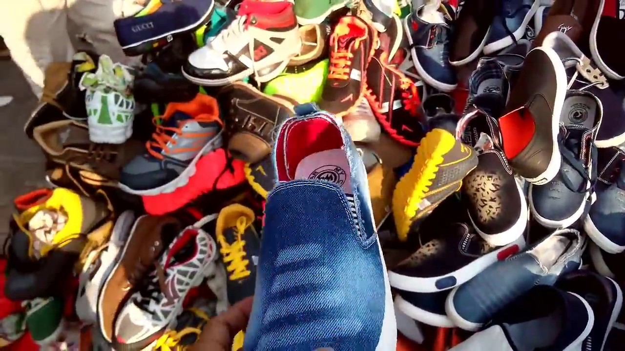Street Market Mumbai Cheap Shoes Watches Amp Clothes Youtube
