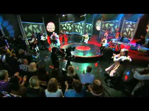 Per Anderssons och Annika Anderssons folkmusik-Abba - Doobidoo   SVT Play.flv