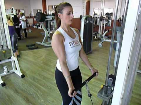 Exercice de musculation biceps : curl poulie basse - YouTube