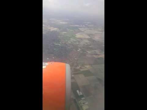 Fase atterraggio Malpensa volo easyjet