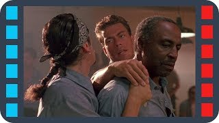 Бёрк заступается за чернокожего перед латиносом — «Ордер на смерть» (1990) сцена 3/8 HD