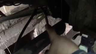 Замена сайлентблоков задней балки Audi 80(запресовщик делал по сайлентблоку, методом подгона на учебном токарном станке., 2014-07-27T13:50:42.000Z)