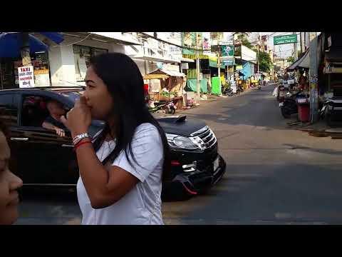Pattaya walking street and live music