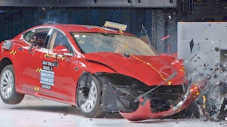 Tesla Model S (2017) Crash Tests thumbnail