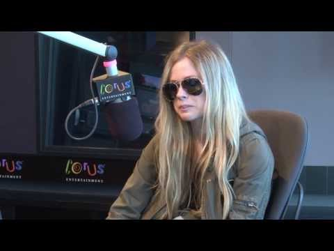 953 Fresh FM Interview with Avril Lavigne