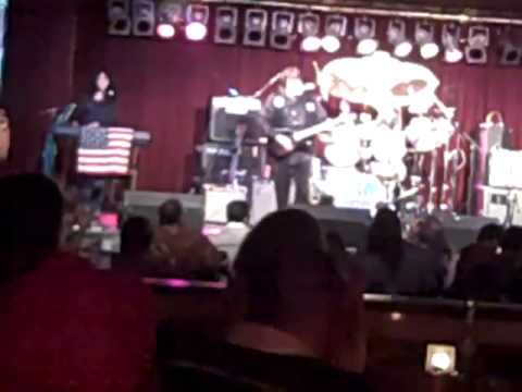 Vince Martell at BB KINGS NYC July show 09 (trimmed)