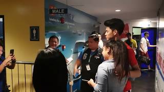 Ricci Rivero and Kobe Paras accomodating fan photos at the dugout!