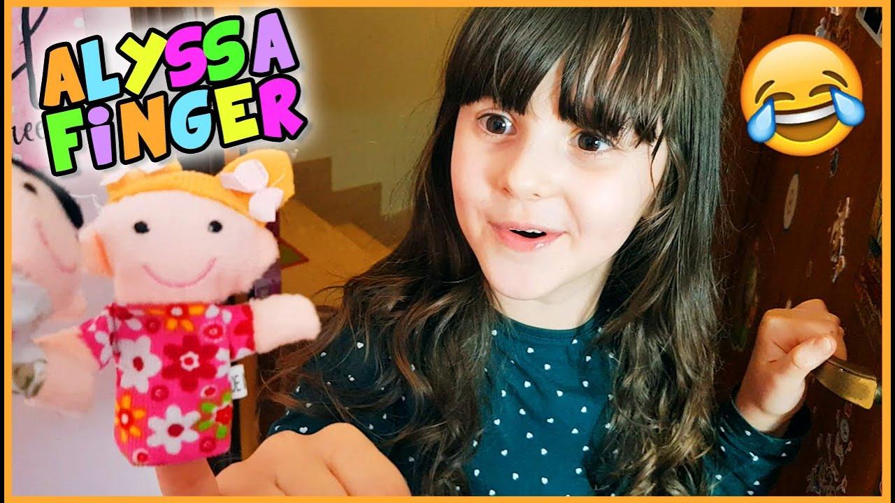 Canzone Alyssa Finger 😂 (video scemotto) - YouTube