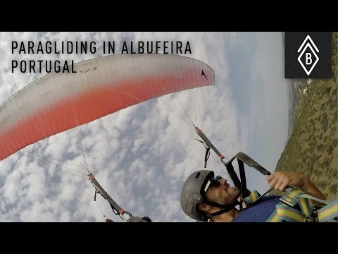 Paragliding in Albufeira, Portugal - Troy faces his fear of heights - Video 3/4