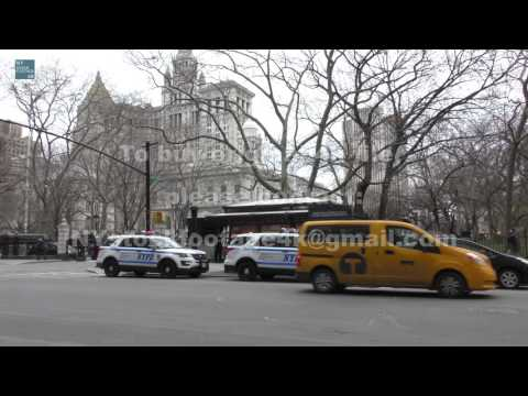 Manhattan Civic Center_71 #4K #Broadway #City Hall #traffic #Police #people #Taxi #bus #Cyclists