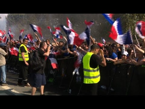 World Cup: Celebrations in Paris after opening goal