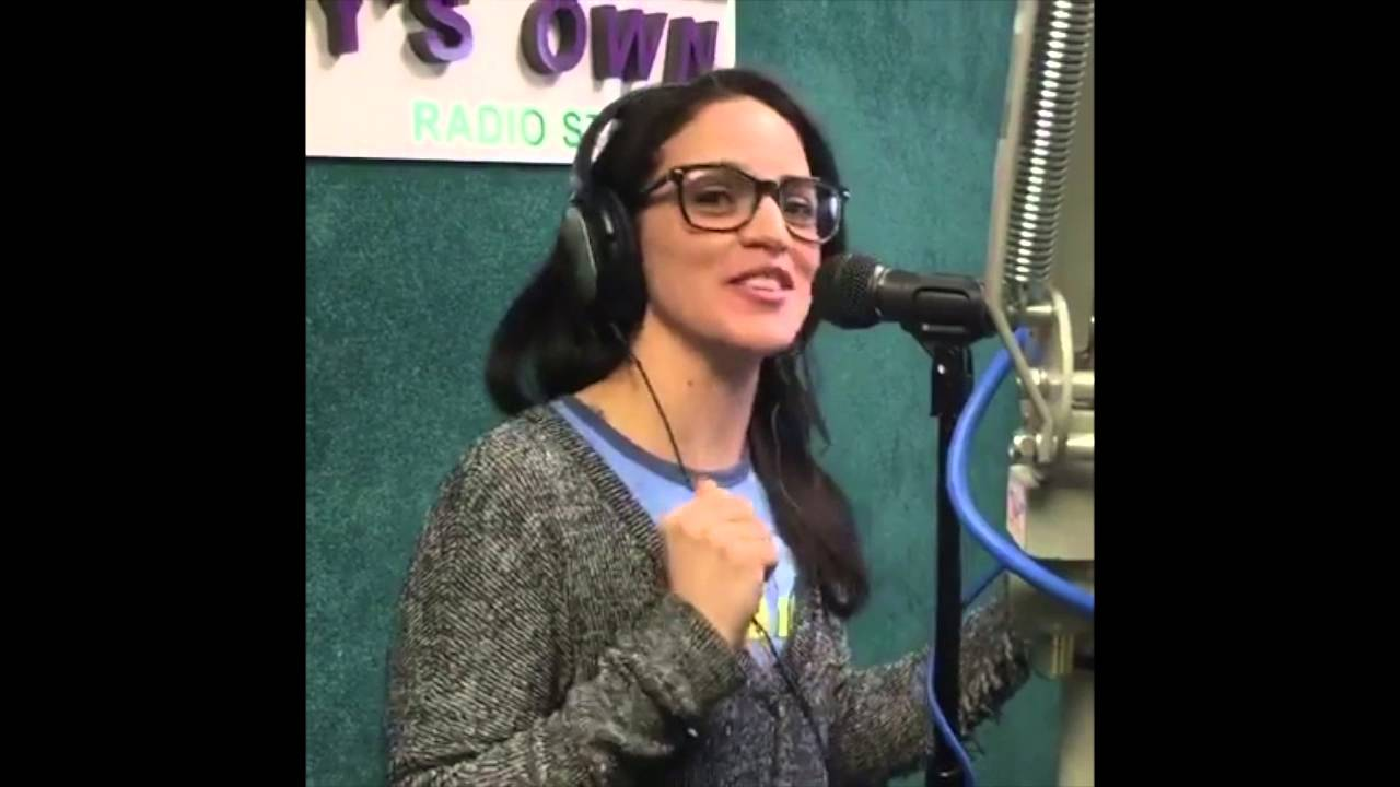 Hell 39 S Kitchen Chef Manda Palomino Answers 5 Random Questions On The Mike Show Youtube