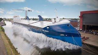 7 захватывающих спусков судна на воду(Один из самых зрелищных способов спуска на воду - спуск судна лагом. Очень впечатляет большой всплеск, созда..., 2015-02-12T08:29:21.000Z)