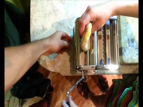 Как сделать домашние спагетти и фетучини. Самый простой и вкусный рецепт