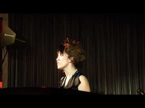 Imogen Heap - First Train Home - Hamburg 01.03.10