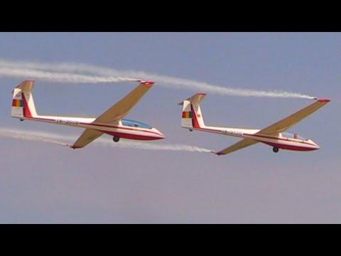 White Wings - IS-28B2 Glider Formation Aerobatics @ BIAS2015 - Airshow Display