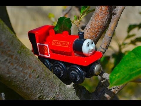 Thomas & Friends SKARLOEY Wooden Railway Toy Train Tank Engine Review By Mattel Fisher Price