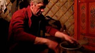 Засолка очередного улова(Байкал, Чувыркуйский залив. Окунь, сорога, сиг, хариус., 2010-04-13T06:51:05.000Z)