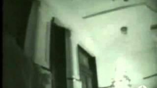 Repeat youtube video Prostitucion en cuba. Parte I