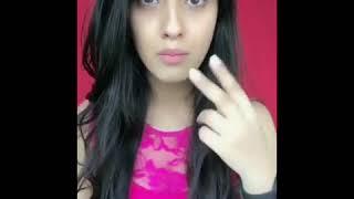 Cute girl acting in song isme Tera Ghata Mera Kuch Nahi Jata.