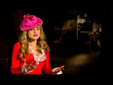 """Dracula (NBC): Katie McGrath """"Lucy Westenra"""" Official TV Interview"""