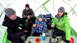 10 РАЗ ЗАПЛАКАЛ 5 ПЕРЕКРЕСТИЛСЯ Взял ВСЮ семью на зимнюю рыбалку и что из этого вышло