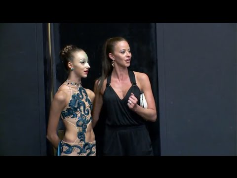 Dance Moms Ava Amp Jeanette Go Into Aldc S Dressing Room