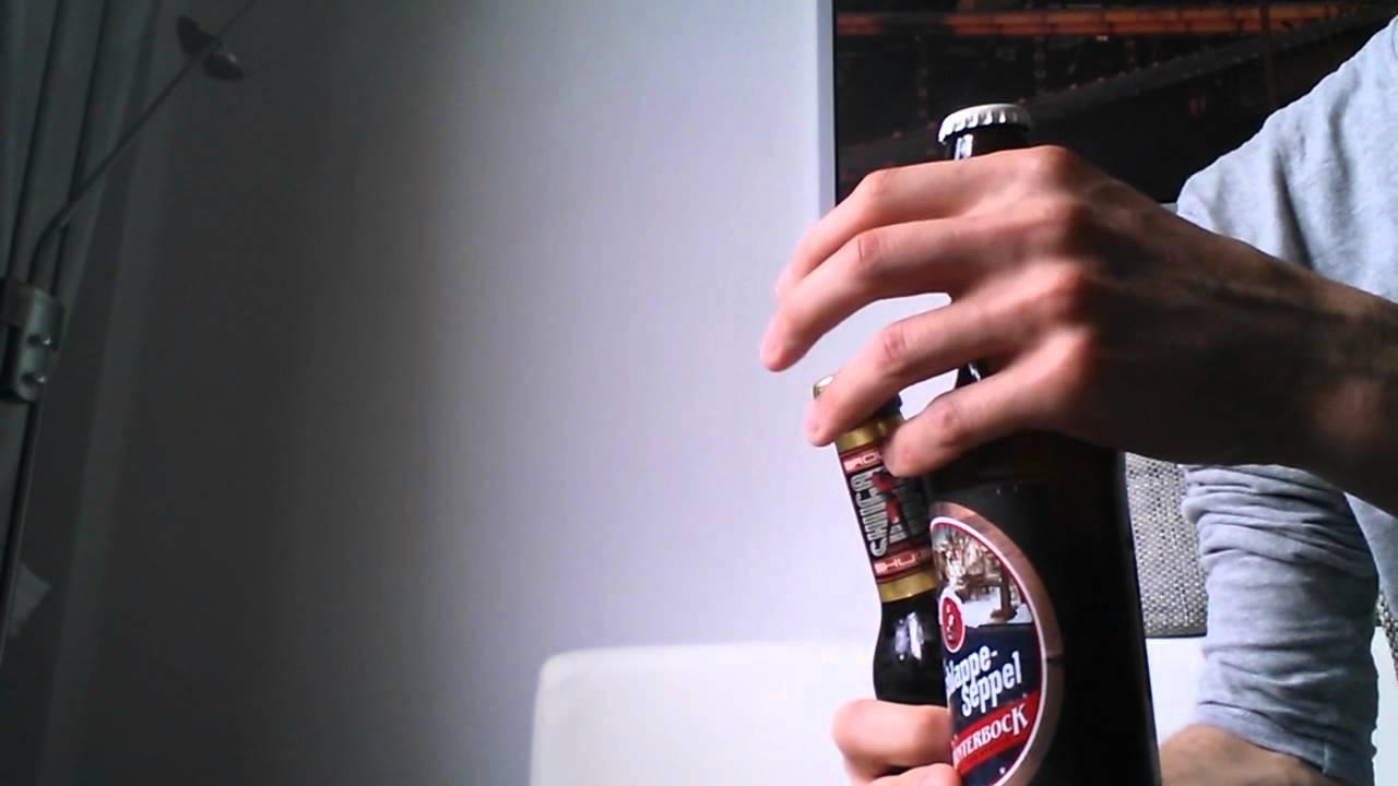 flasche mit kronkorken ohne flaschen ffner ffnen youtube. Black Bedroom Furniture Sets. Home Design Ideas