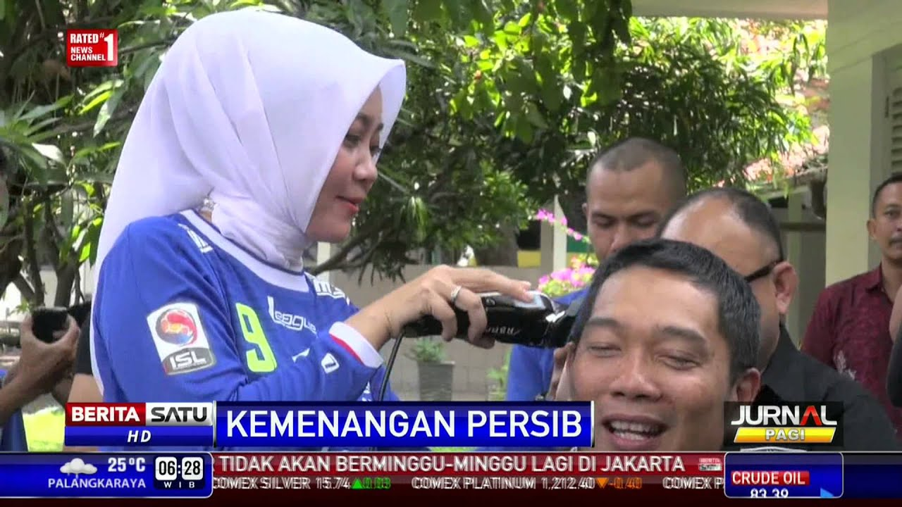 Ridwan Kamil Penuhi Nazar Mencukur Rambut - YouTube 8fa5424b45