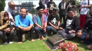 Video Biem Benyamin dan Rizal Ramli Ziarah Ke Makam Benyamin Sueb download MP3, 3GP, MP4, WEBM, AVI, FLV Juli 2018