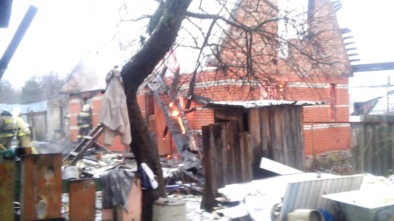 Купить дом в Подмосковье. Коттедж на участке 14 соток в д.Темьянь .