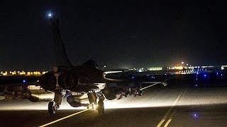 غارات جوية للطائرات الحربية الفرنسية على الرقة     16-11-2015