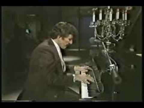 Liberace playing his Christmas Medley 1980s