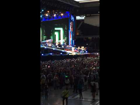 Right now - One Direction - Live in stade de suisse bern 04/07/14
