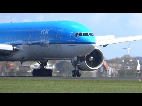 40 Planes Landing At Amsterdam Schiphol Airport, The Polderbaan 36L