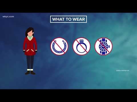 Health warnings: What NOT to wear in extremely cold temperatures