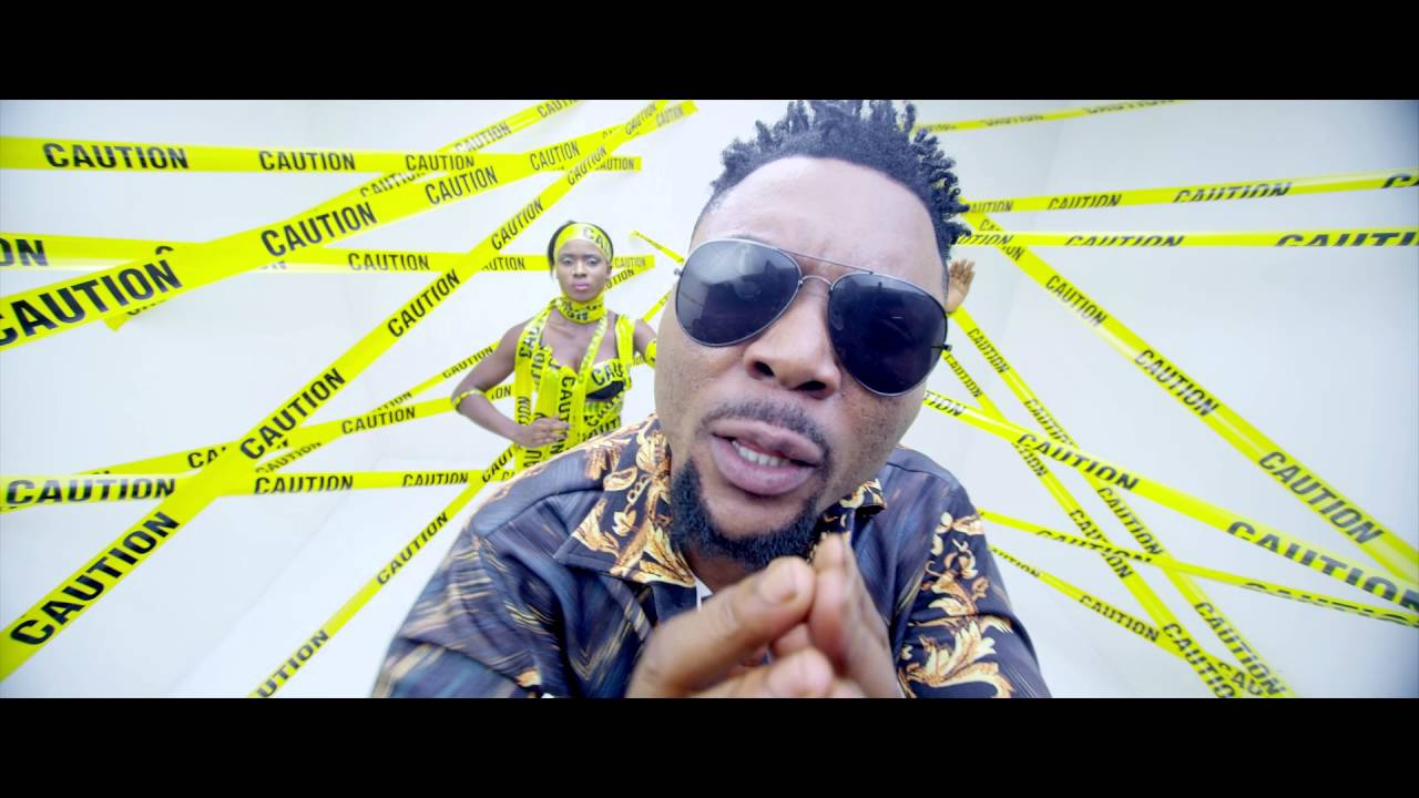 Download Oritse Femi ft Reekado Banks - Mr Gomina (Official Video)
