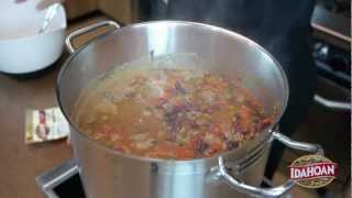Idahoan Bull Rider's Chili Recipe With Bacon & Cheddar Chipotle Mashed Potatoes