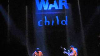 Damon Albarn & Graham Coxon - Strange News From Another Star (live @ Warchild Brits Concert)!