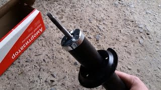 видео Как поменять задние стойки на ВАЗ 2110, 2112: снятие и замена амортизаторов и пружин