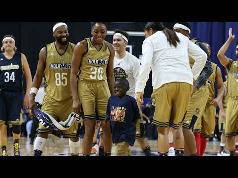 Jarrius Robertson Steals the Show at the Celebrity Game!   ..