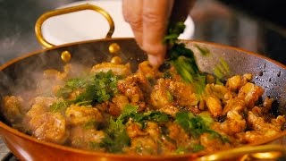 Video How to make Durban's finest prawn curry download MP3, 3GP, MP4, WEBM, AVI, FLV Agustus 2018