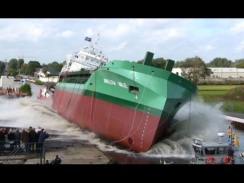 Tewaterlating ARKLOW VALE. Bij Royal Bodewes Shipyards. H.Z.