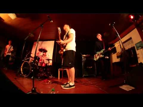 The Daily Hype - WALKING DISASTER || 2012 LIVE !