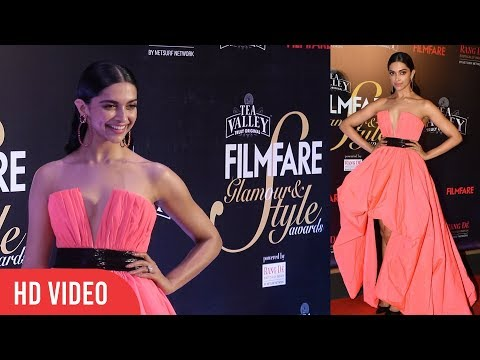 Gorgeous Deepika Padukone At Filmfare Glamour & Style Awards 2019
