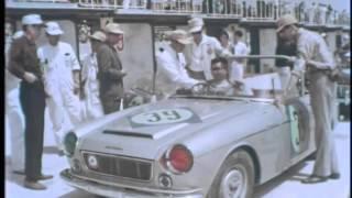 First Japan Grand Prix Datsun Wins Touring Class 1963