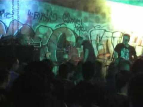 ÁKRATA- Gritos de hambre (CSO El Rabart 21-10-06)