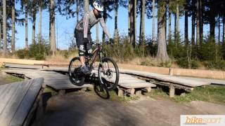 bikesport Magazin - Mountainbike Fahrtechnik: Der Drop - Step by Step