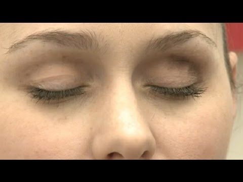 What Eye Shadow Looks Good With Fair Skin & Brown Hair? : Eye Makeup