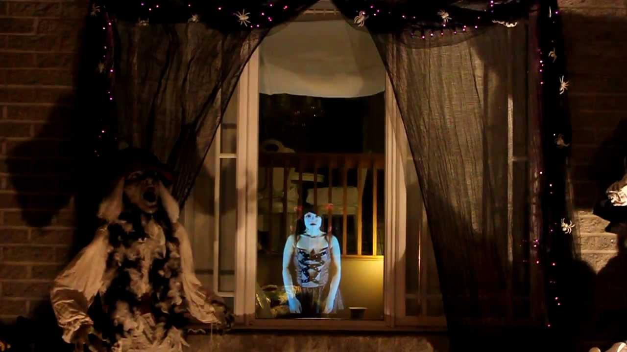 Illusion : Fantôme dans le salon - Maison hantée Secret Queen - YouTube